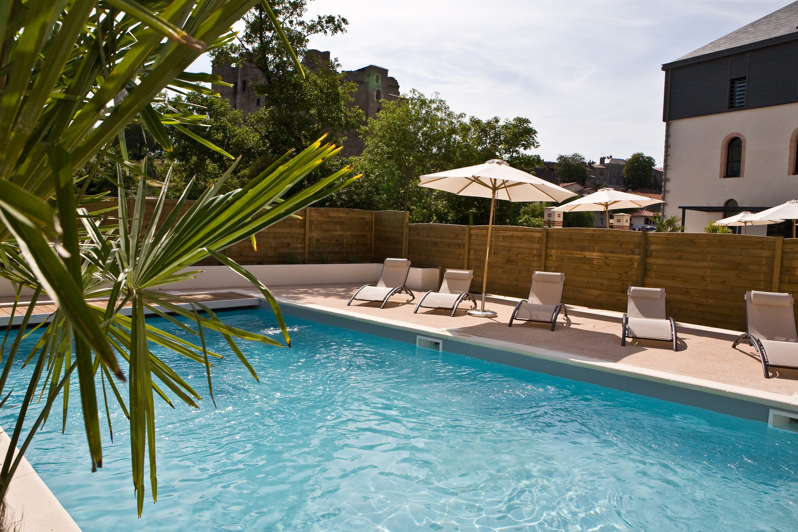 Promotional Offers On Inclusive Packages avec Piscine Clisson