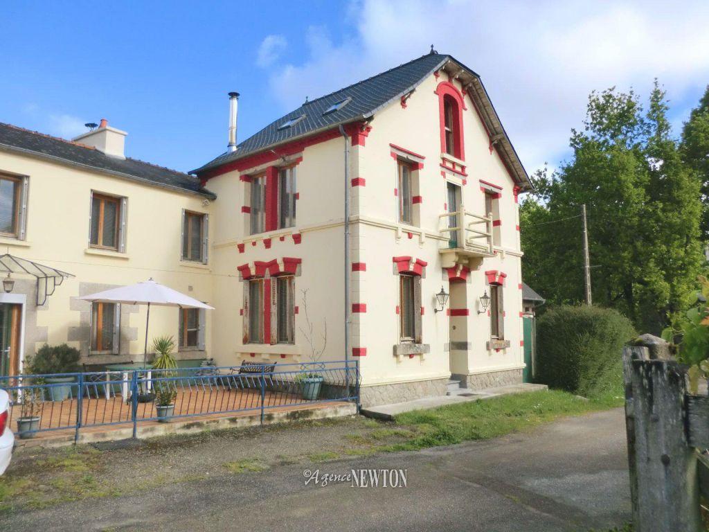 Properties : - Agence Newton à Piscine Egletons