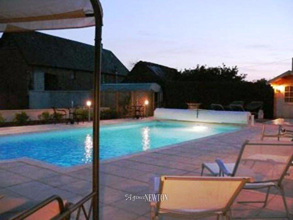 Properties : - Agence Newton serapportantà Piscine Carentan