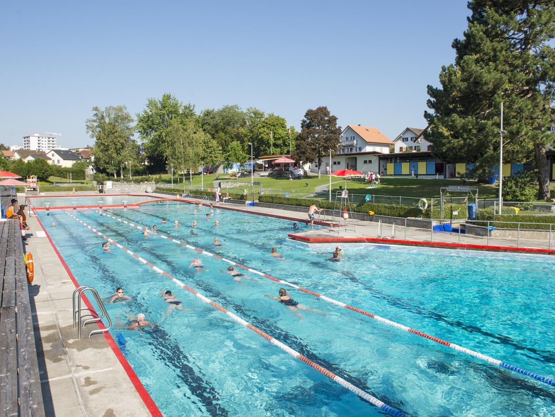 Public Outdoor Pool In Bulle serapportantà Piscine Bulle D O