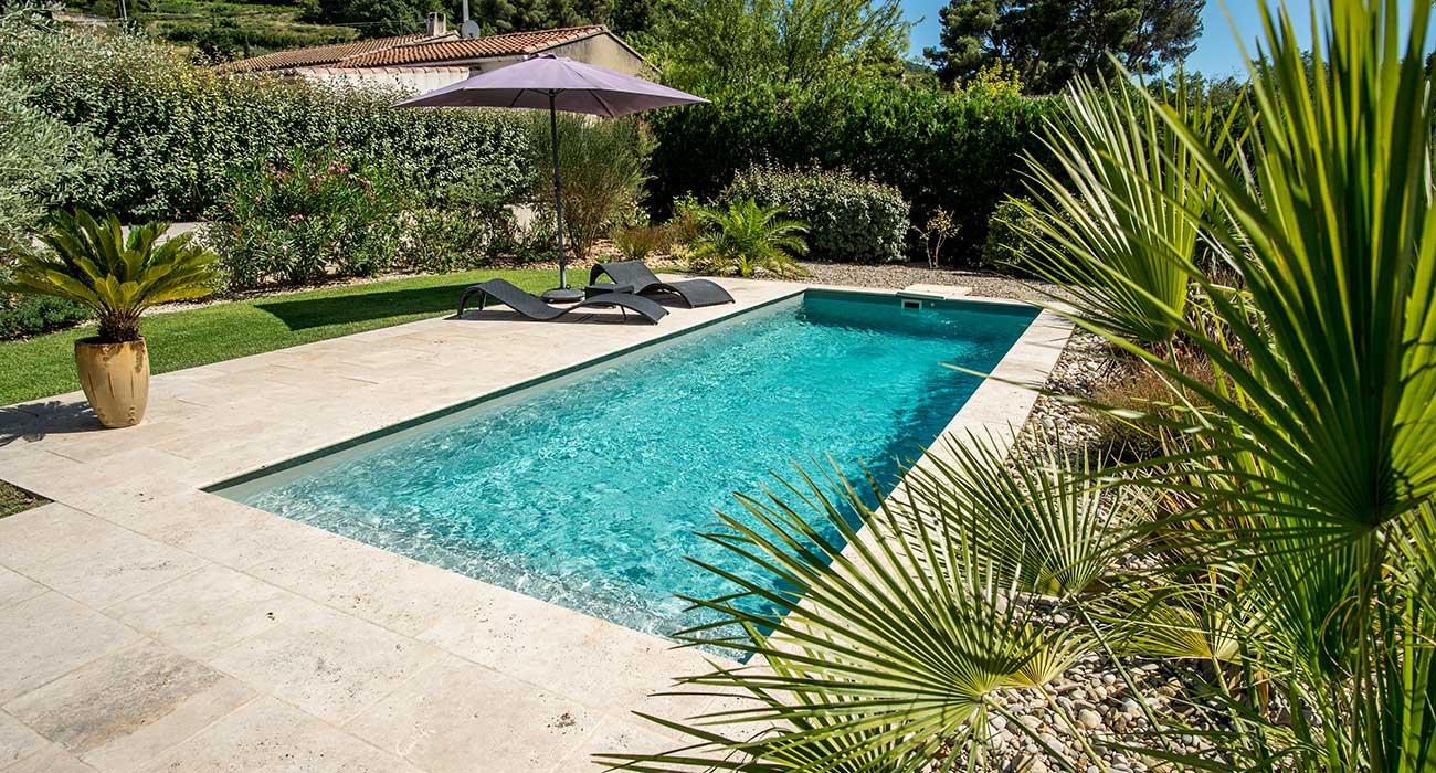 Quelle Piscine Pour Votre Jardin ? Hors-Sol Ou Creusée ... concernant Aménagement Autour D Une Piscine Hors Sol