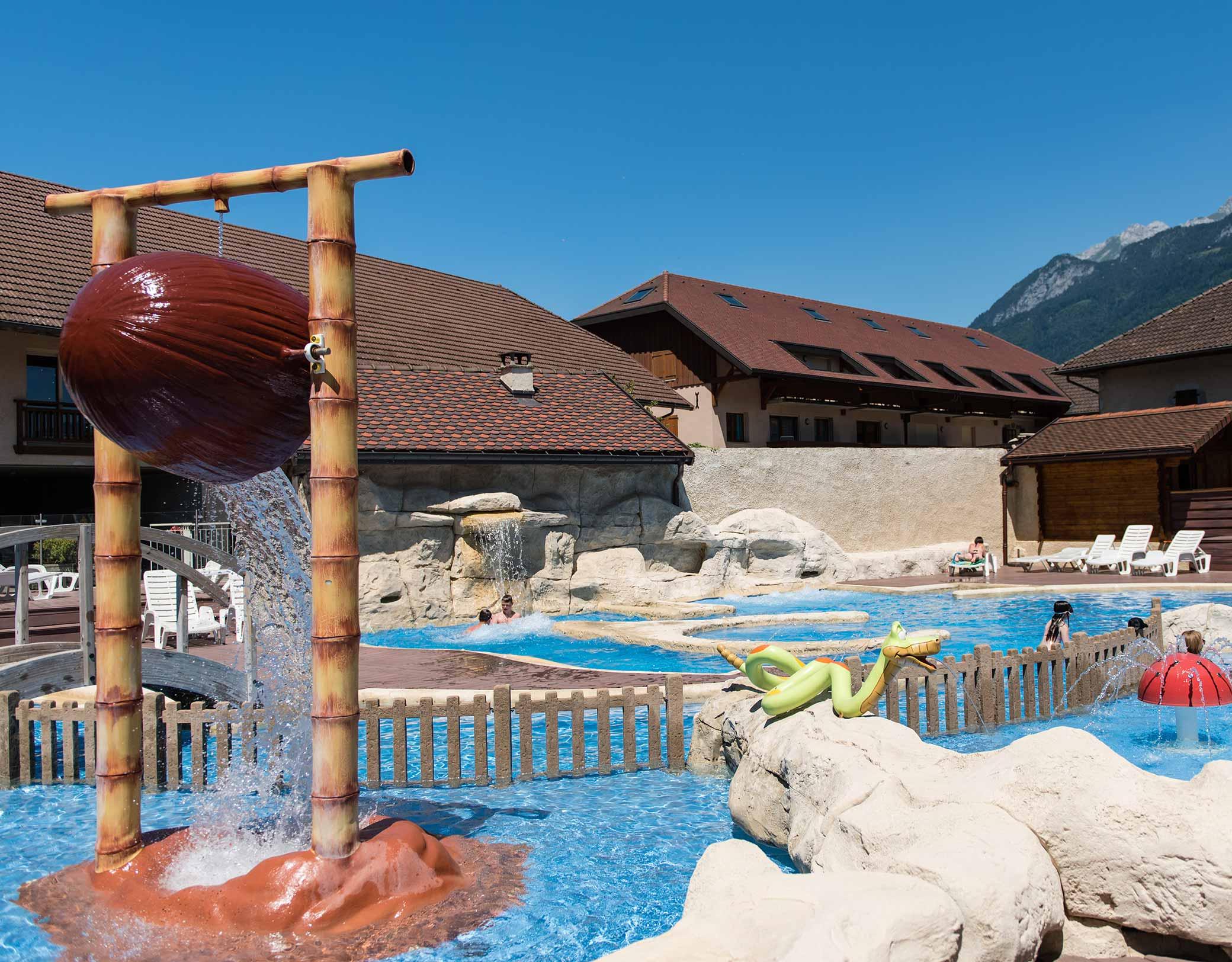 Quels Sont Les Sites Où Trouver Le Meilleur Camping ... serapportantà Camping Annecy Piscine