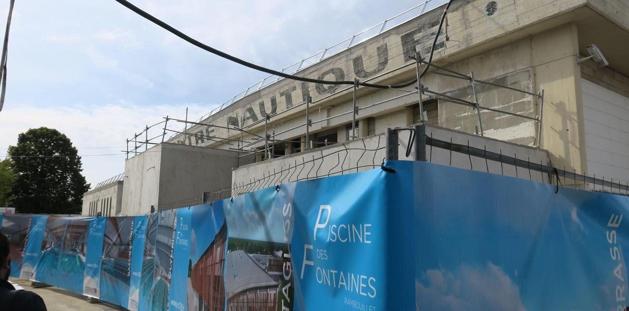 Rambouillet : La Piscine Rouvre Enfin, Mais Partiellement ... avec Piscine Dourdan