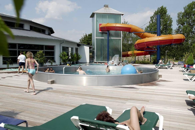 Reidener Schwemm Overdekt En Openluchtzwembad - Luxemburg ... avec Piscine Oberkorn