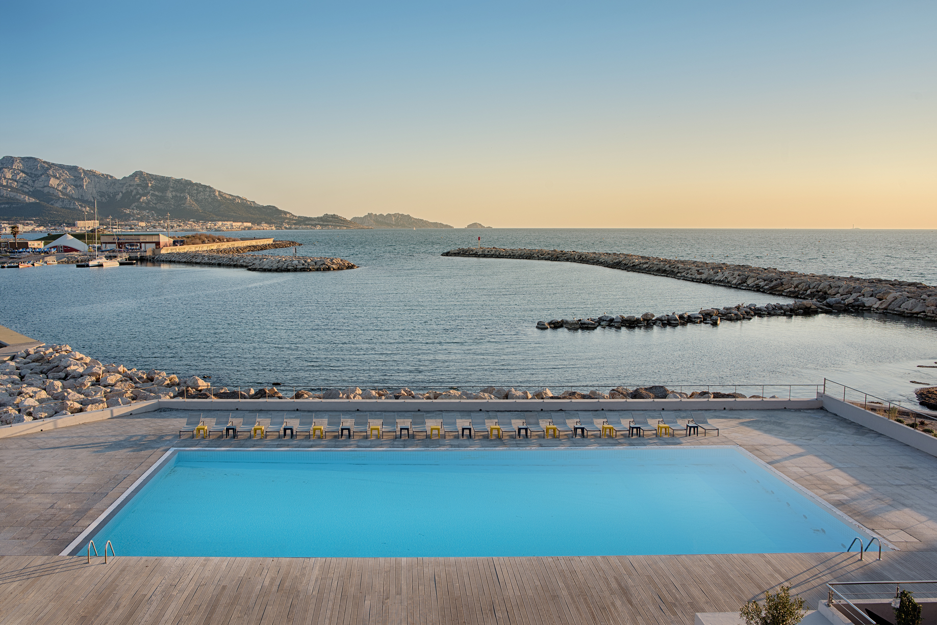 Relaxing Spa In Nhow Marseille | Nhow Marseille Hotel avec Hotel Piscine Marseille