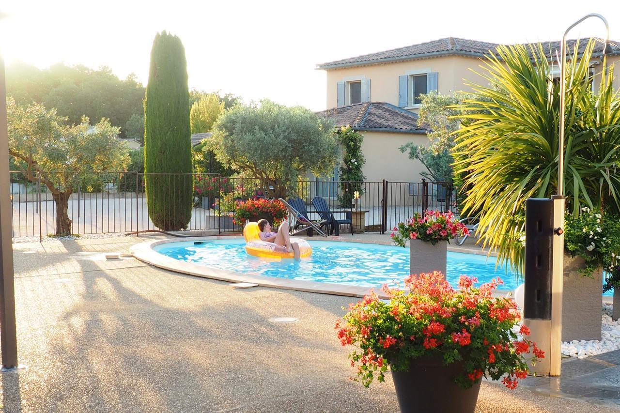 Résidence Les Peupliers, Loriol-Du-Comtat, France - Booking avec Piscine Loriol