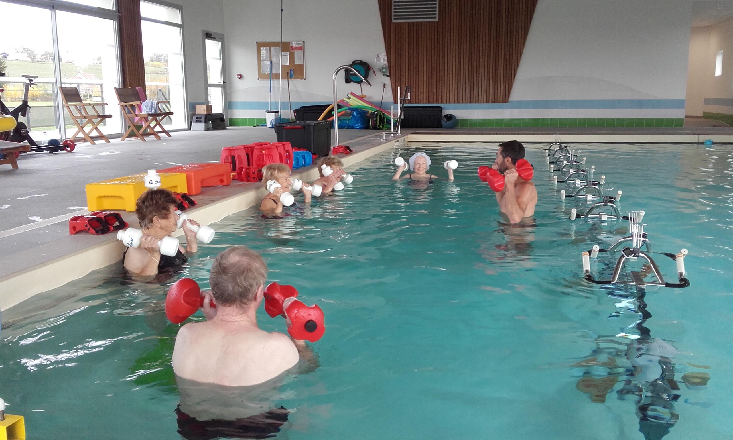 Résidence Services Seniors Près De Lons-Le-Saunier (39) Pour ... intérieur Piscine Lons
