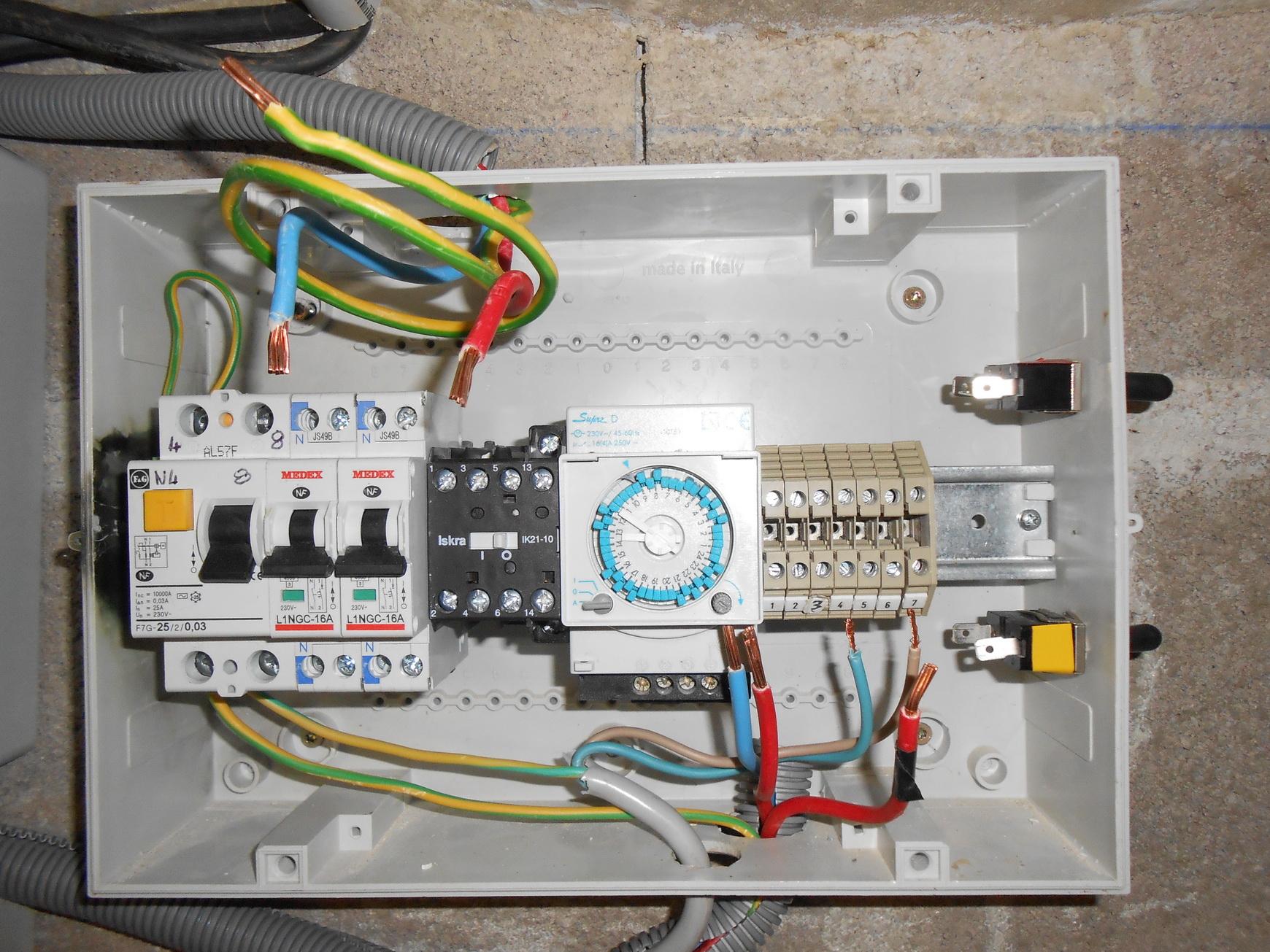 Résolu : Coffret Commande Et Coffret Eclairage Piscine ... avec Coffret Electrique Piscine