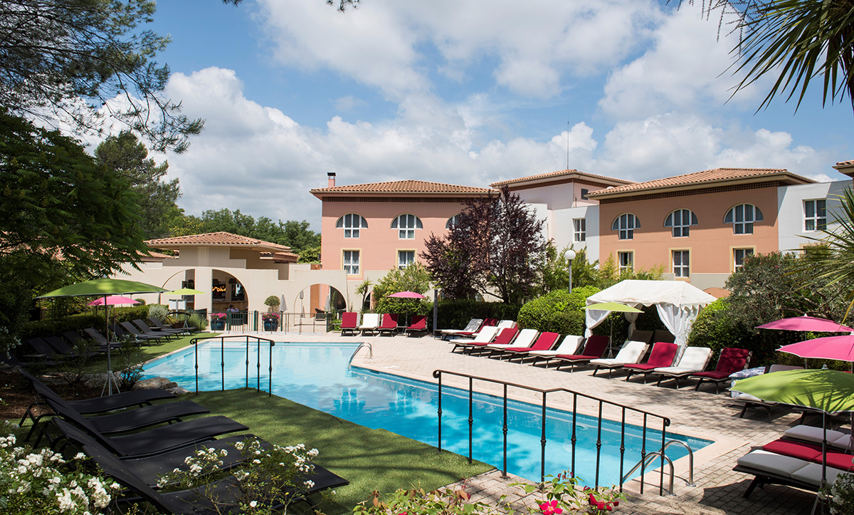 Resort Sophia Antipolis : Une Oasis En Plein Coeur D'antibes destiné Piscine Sophia Antipolis