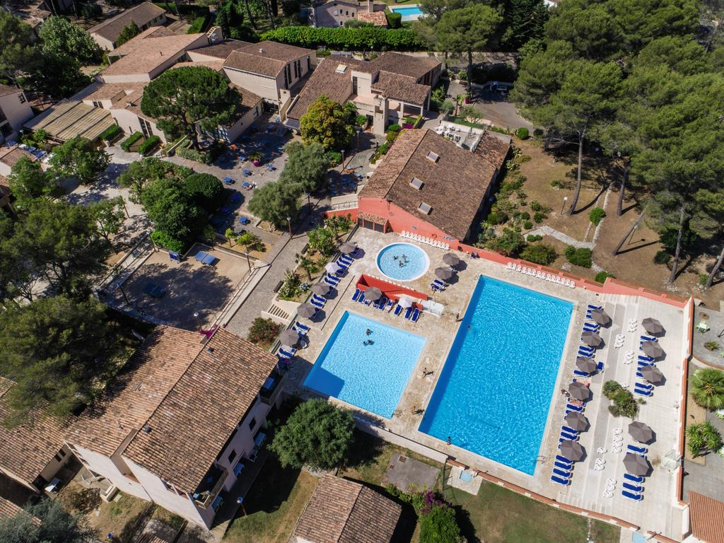 Resort Village Belambra Clubs La Colle-Sur-Loup, France ... à Piscine La Colle Sur Loup
