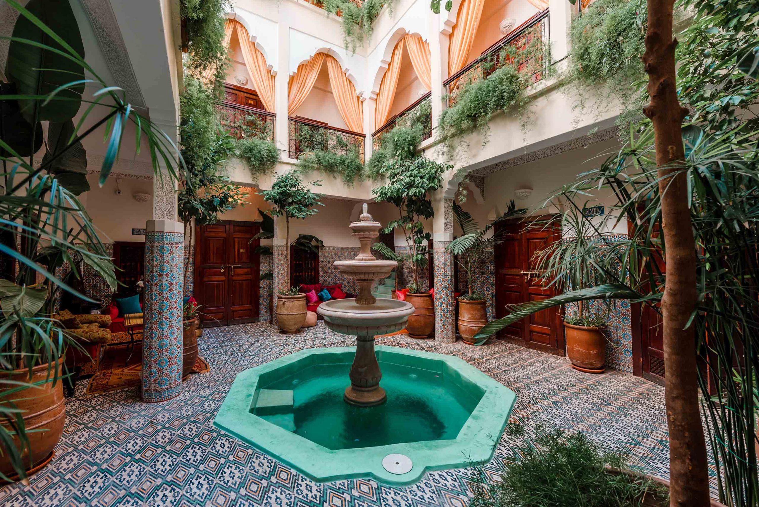 Riad Abelia - Site Officiel : Une Maison Traditionnelle À ... encequiconcerne Riad Marrakech Avec Piscine