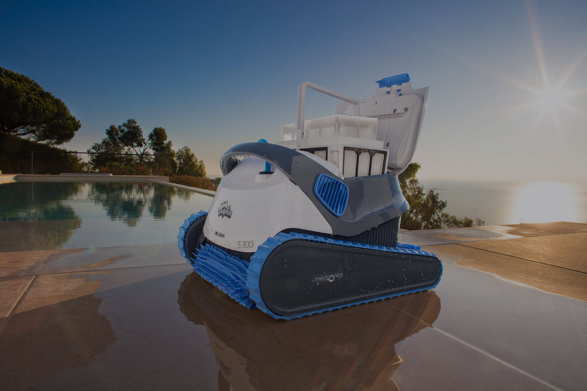 Robot Piscine Dolphin | Leader Des Robots Nettoyeurs De Piscine tout Meilleur Robot Piscine 2017