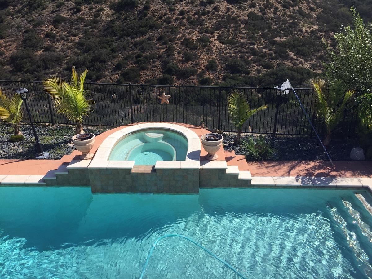 Rooms In Beautiful House On Ocean View Hills, San Diego ... dedans Piscine Alai