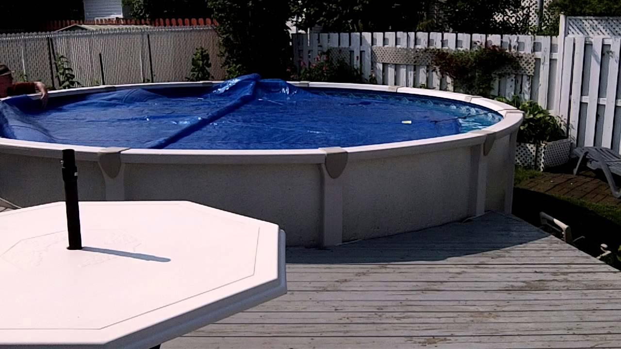 Rouleau Invisible Pour Toile Solaire De Piscine. Enrouleur ... serapportantà Bache Chauffante Piscine Intex
