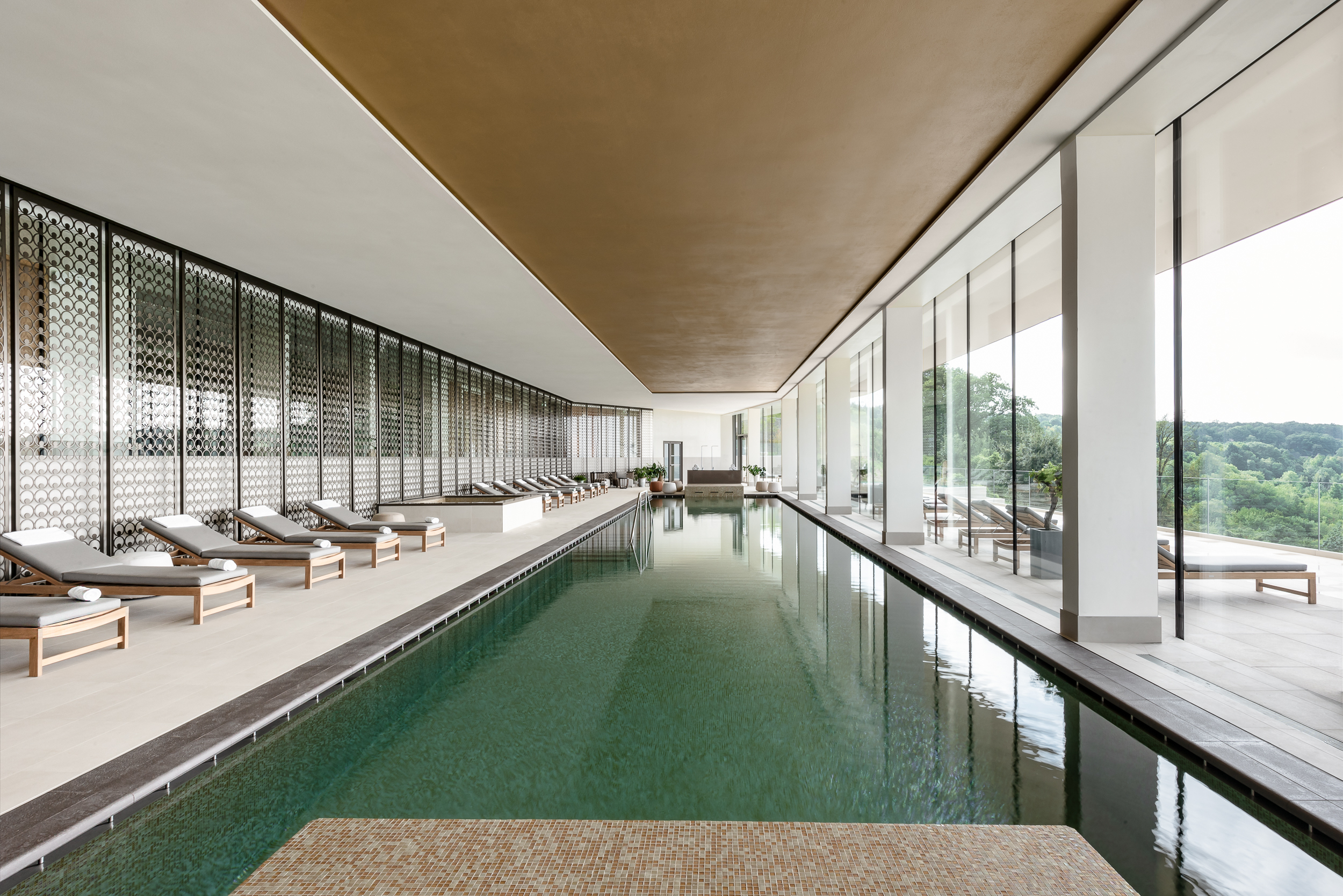 Royal Champagne Hotel & Spa| Spa And Wellness Treatment In ... serapportantà Piscine Epernay