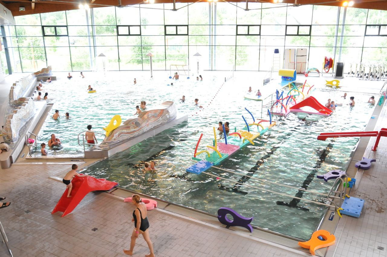 Saint-Amand : Le Centre Aquatique Se Prépare Pour L'été   L ... destiné Piscine St Amand
