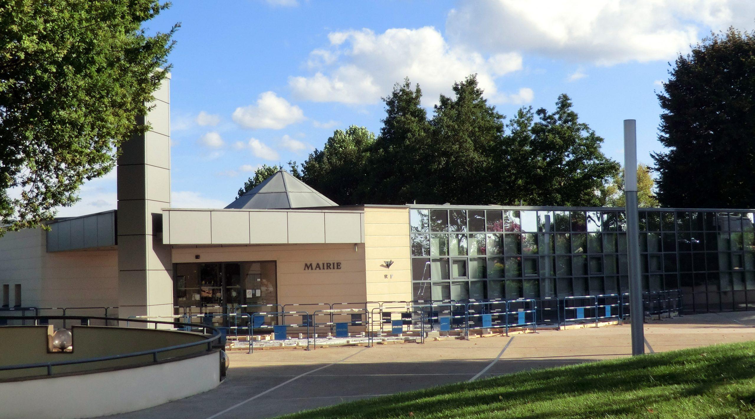 Saint-Vulbas — Wikipédia encequiconcerne St Vulbas Piscine
