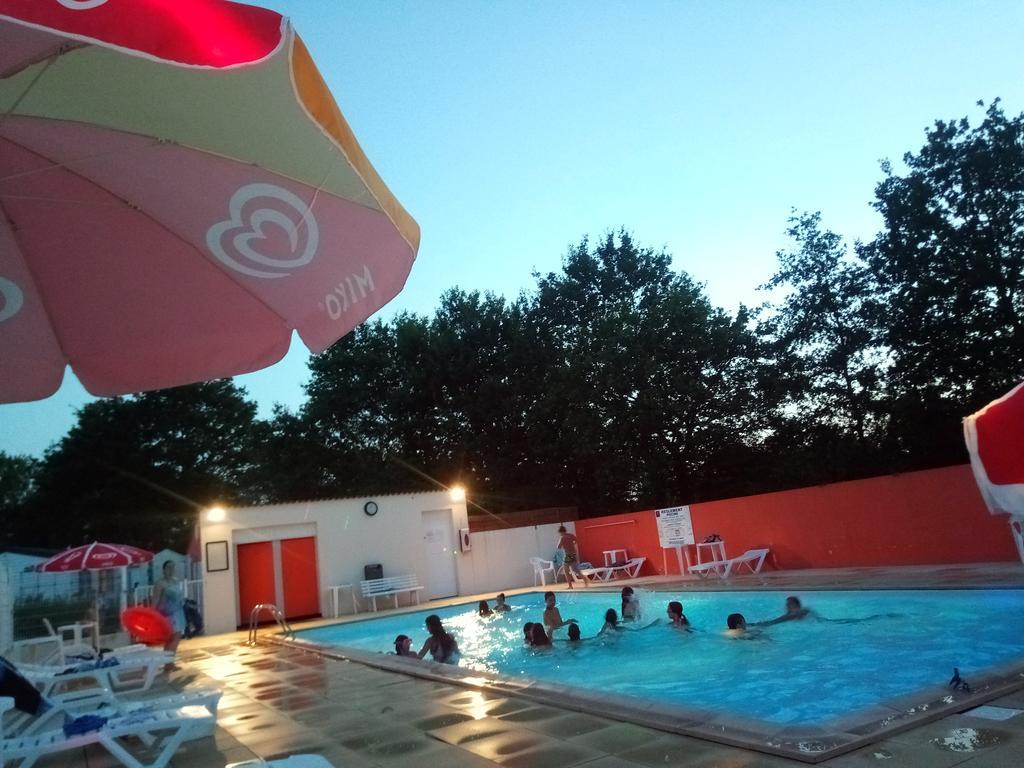 Sarl Camping La Vie (Fransa Commequiers) - Booking intérieur Camping Noirmoutier Piscine