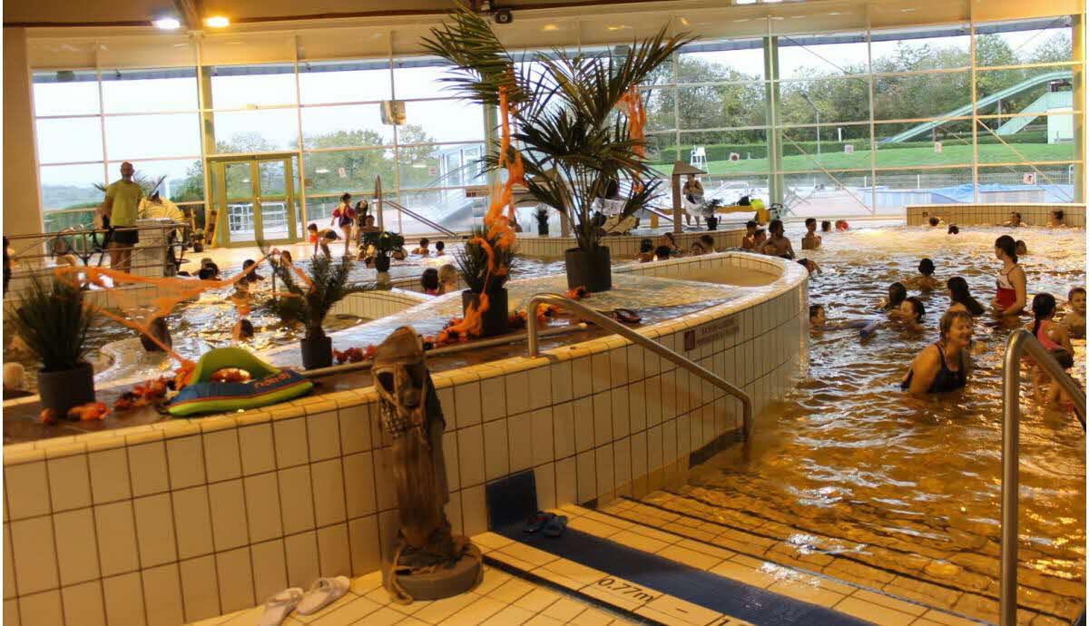 Secteur De Saverne   « Horror Bath » À La Piscine Océanide tout Piscine De Saverne