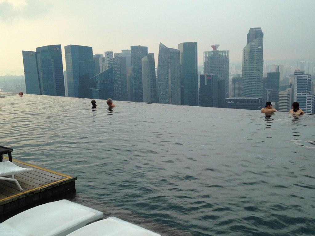 Singapour, Hotel Marina Sand Bay, La Piscine Au 57 Eme Éta ... concernant Piscine Singapour