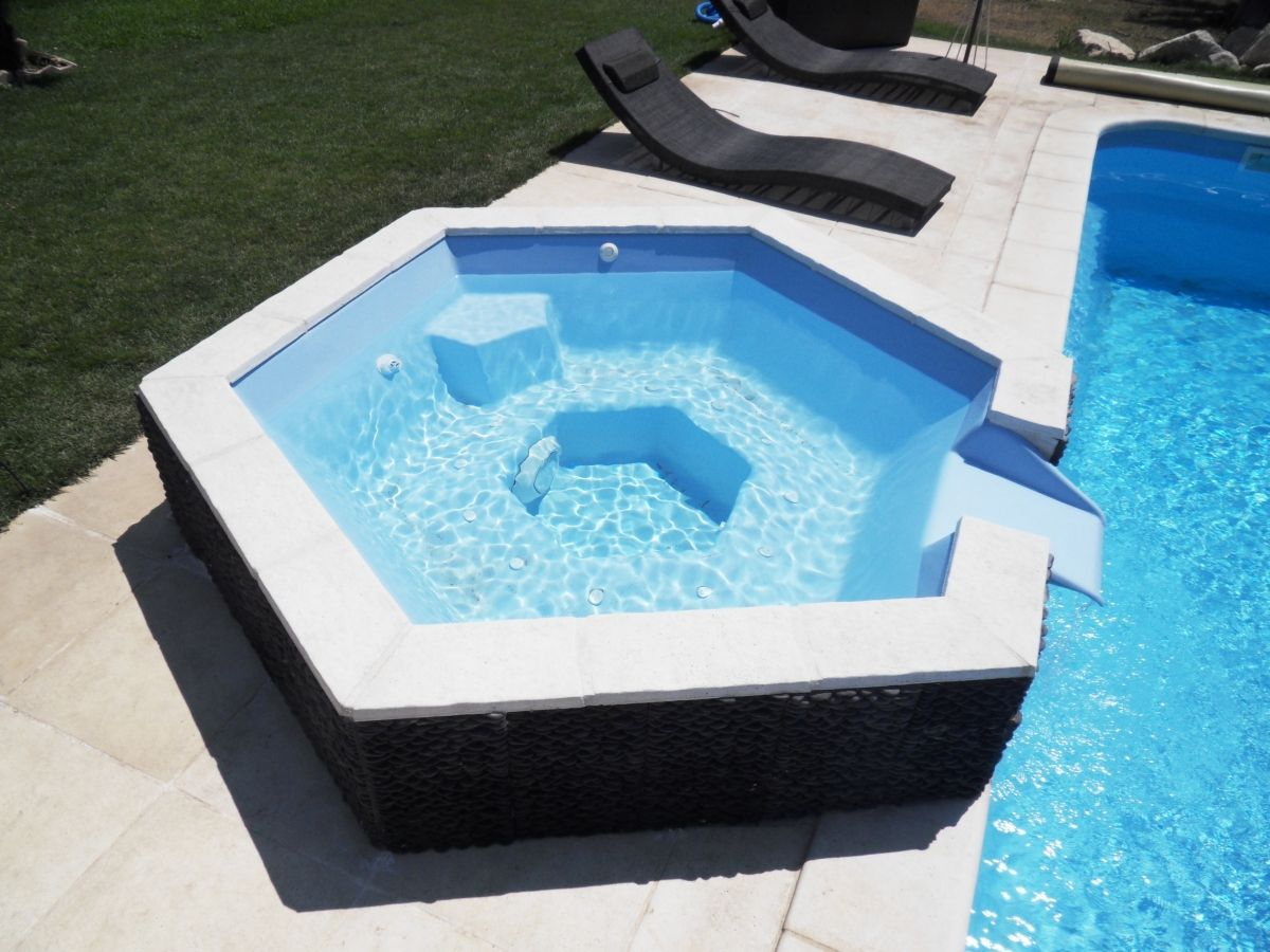 Spa À Débordement Piscine - Jacuzzi Pour Piscine serapportantà Arion Piscine