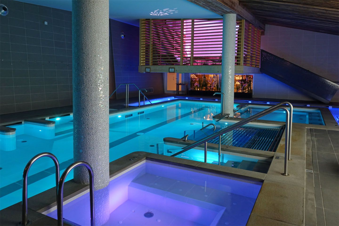 Spa #piscine #courchevel #bienetre #detente #courchevel ... dedans Piscine Courchevel