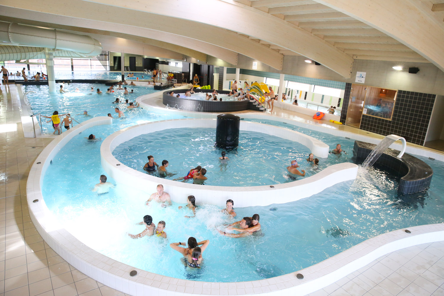 Sport- And Recreation Swimmingpool dedans Piscine Poperinge