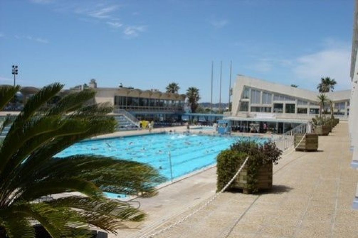 Stade Nautique Du Port Marchand - Piscine À Toulon ... concernant Piscine Port Marchand