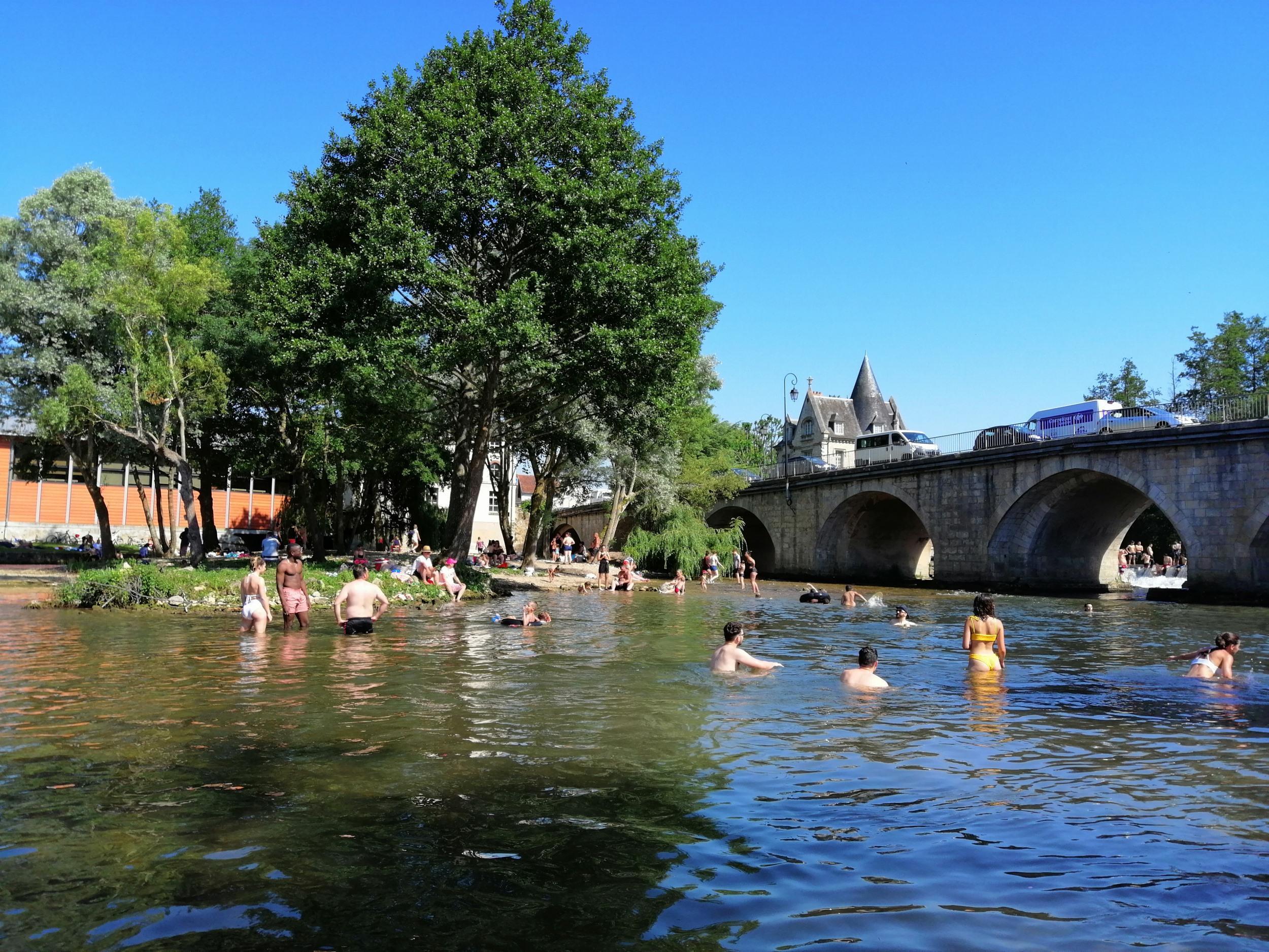 Sud Seine-Et-Marne. Le Loing, Nouvel Eldorado Des Baigneurs ... dedans Piscine De Moret Sur Loing
