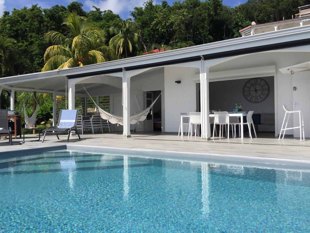 Sunset Palm - Superbe Villa Créole Avec Piscine Face Au ... dedans Piscine Tarare