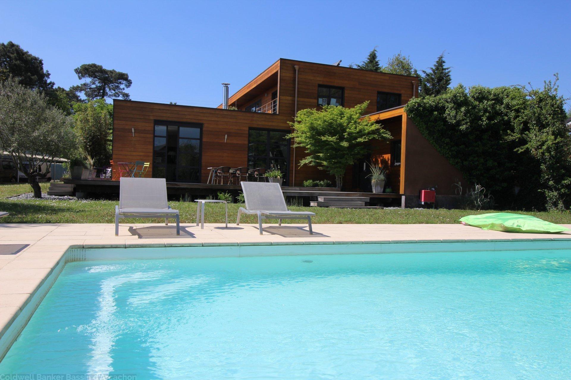 Superbe Maison En Bois Avec Piscine Avec 5 Chambres À Vendre ... à Maison A Vendre Avec Piscine