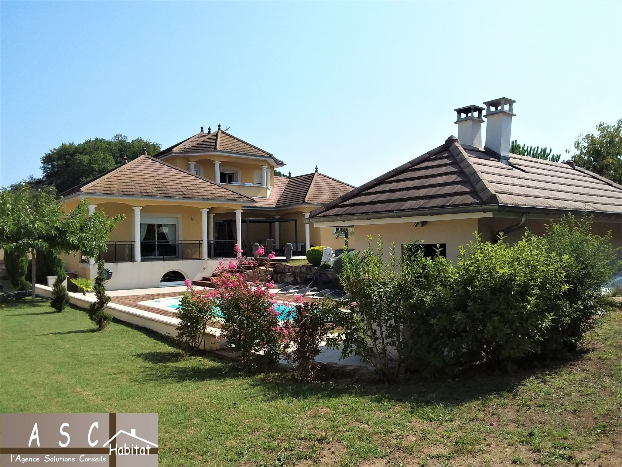 Superbe Villa Piscine Belle Vue Sur Campagne concernant Piscine Bourgoin Jallieu