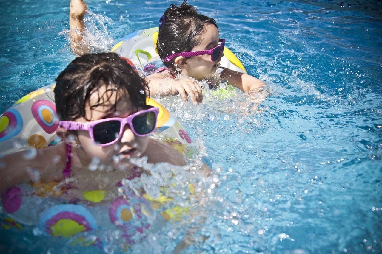 Swimming - Avignon Tourisme - Avignon Tourisme serapportantà Piscine Stuart Mill