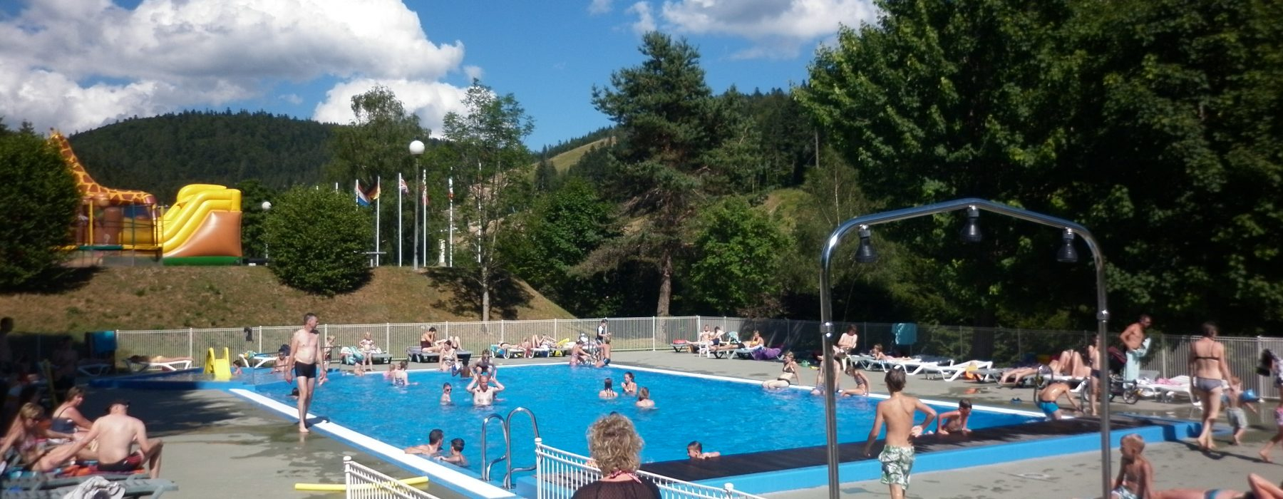 Swimming Pool Area | Camping Belle Hutte à Camping Vosges Piscine