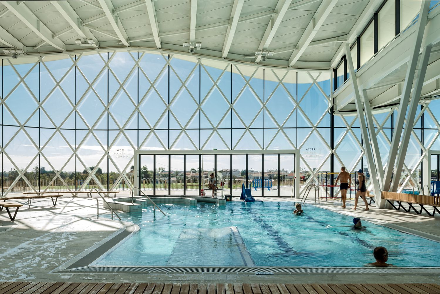 Swimming Pool In Saint Gilles Croix De Vie / Brochet Lajus ... avec Piscine Saint Gilles Croix De Vie