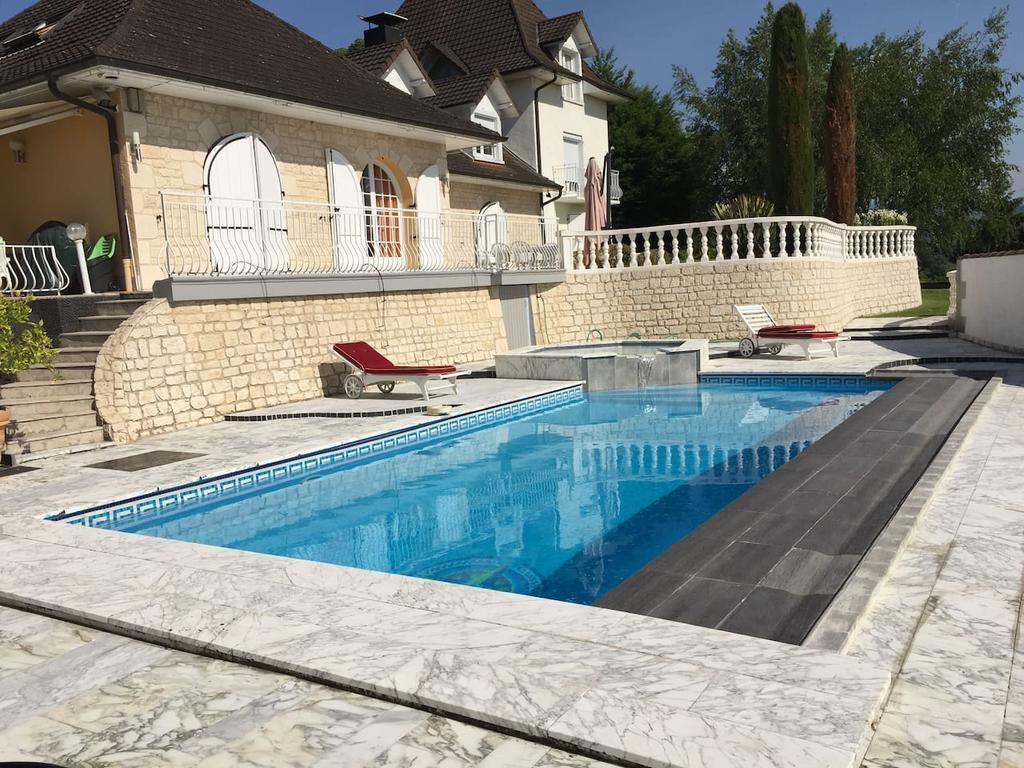 Tatil Evi Demeure De Charme Entre Lacs Et Montagnes (Fransa ... concernant Piscine Chartreux