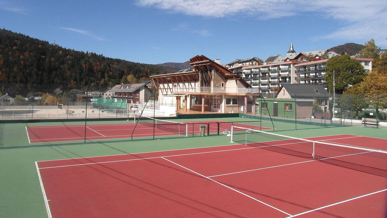 Terrains Et Courts De Tennis Avallon 89 Et À Proximité encequiconcerne Piscine Avallon