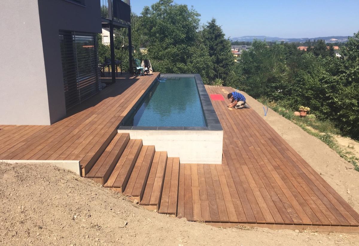 Terrasse En Bois Ipé Et Entourage Piscine Avec Escalier - As ... concernant Entourage Piscine