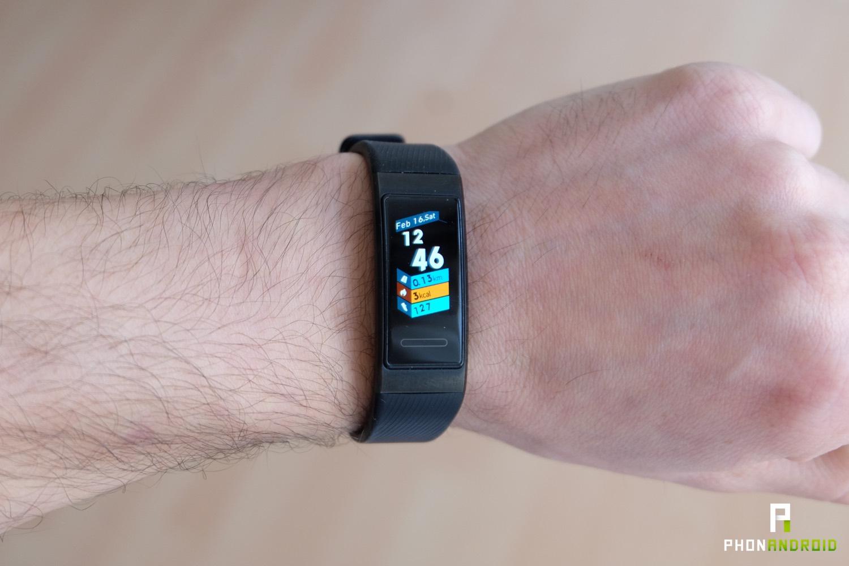 Test Du Huawei Band 3 Pro : Le Bracelet Connecté Le Plus ... intérieur Bracelet Connecté Piscine
