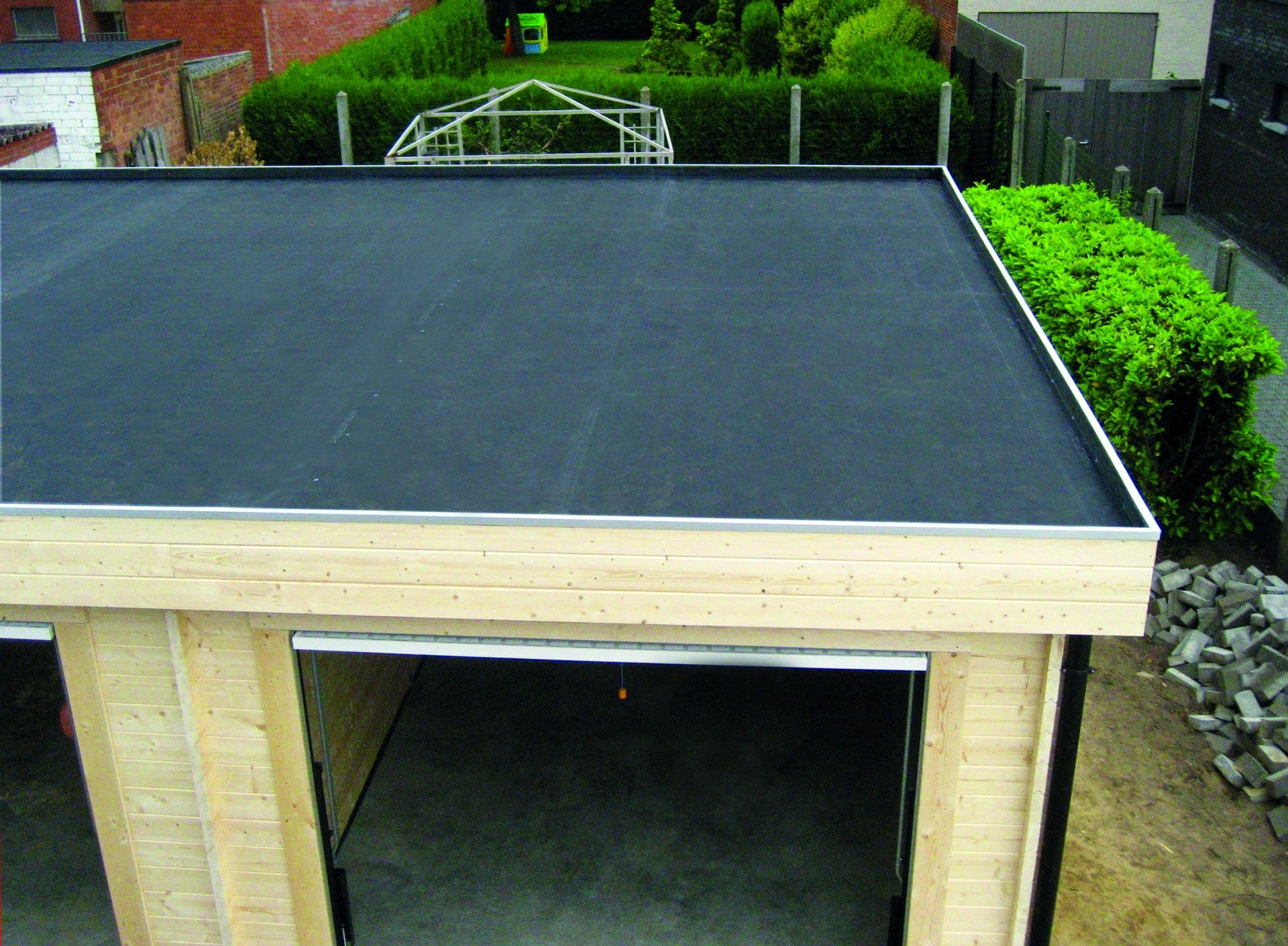 The Firestone Rubbercover™ Epdm Roofing System Is The Ideal ... intérieur Piscine Epdm