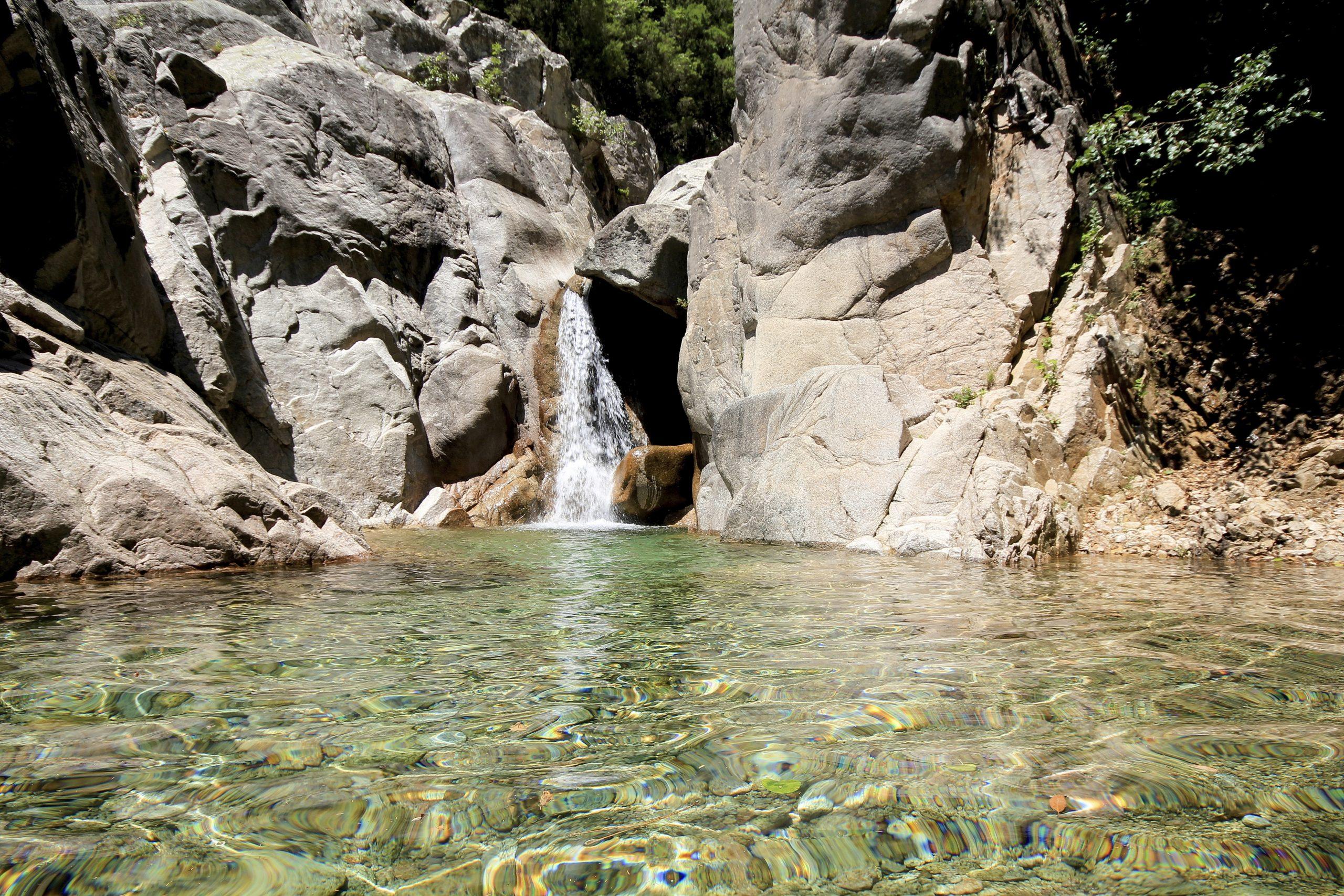 Top 5 Des Plus Belles Piscines Naturelles De Corse intérieur Piscine Naturelle D Eau Chaude Corse Du Sud
