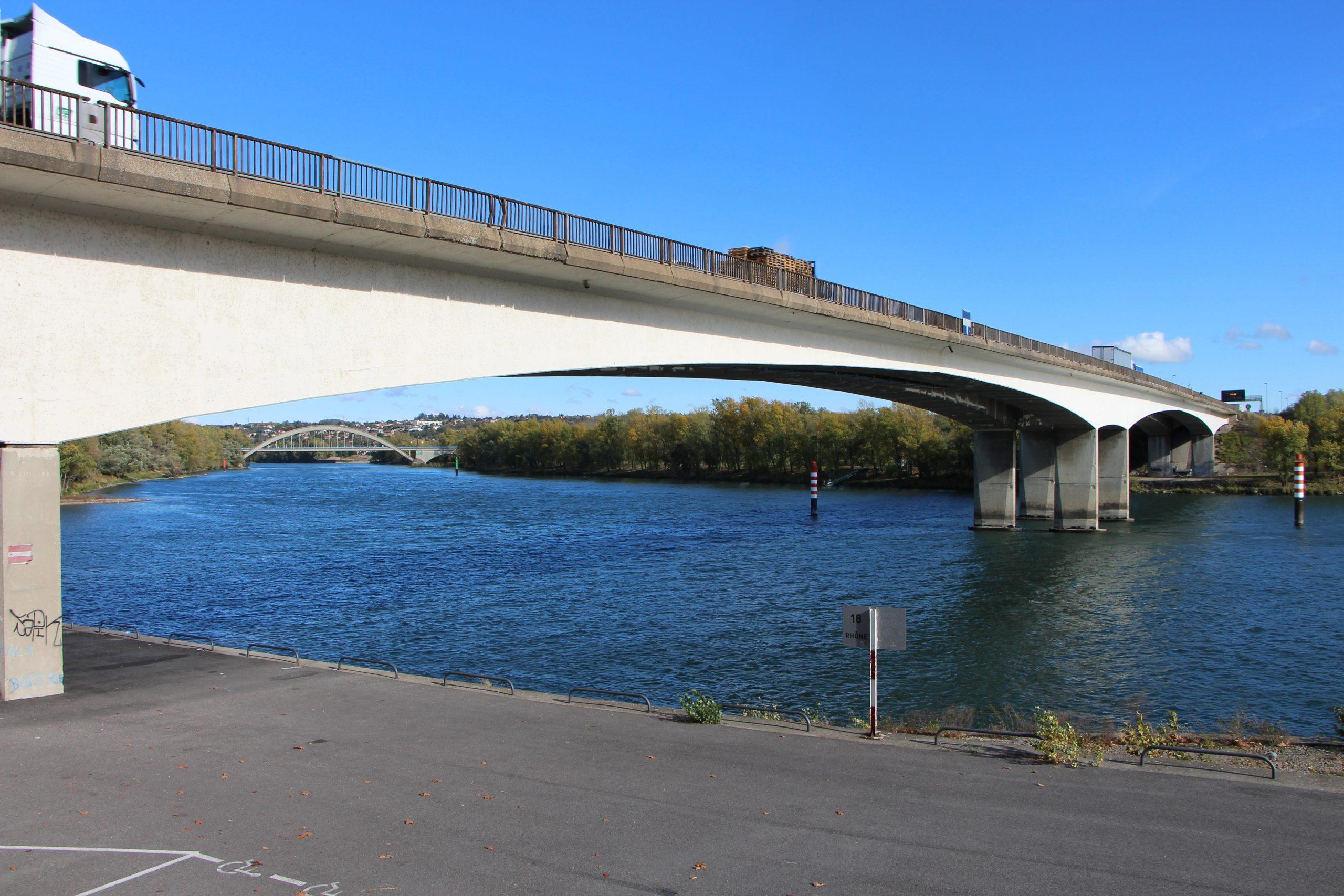 Travaux : Rénovation Du Pont Autoroutier De Givors - Agence ... intérieur Piscine De Givors