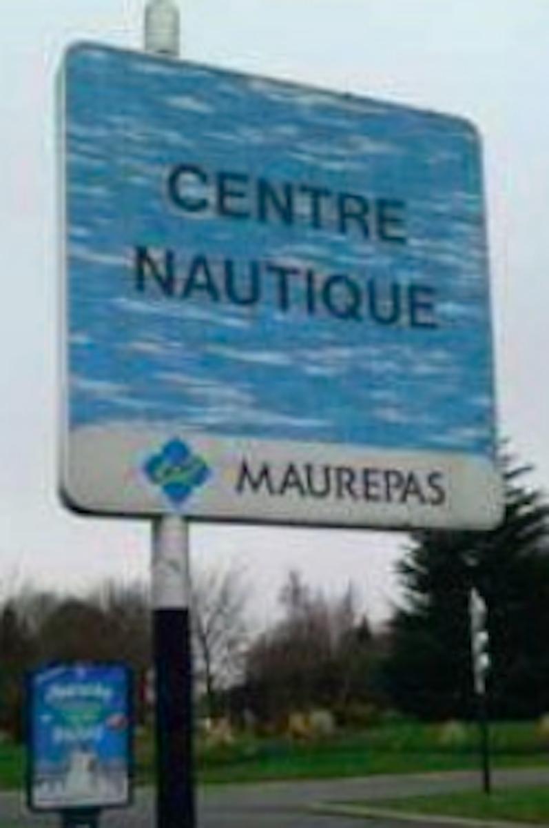 Triomphe Pour Le Maire De Maurepas - Dame - Désirs D'avenir ... concernant Piscine Maurepas