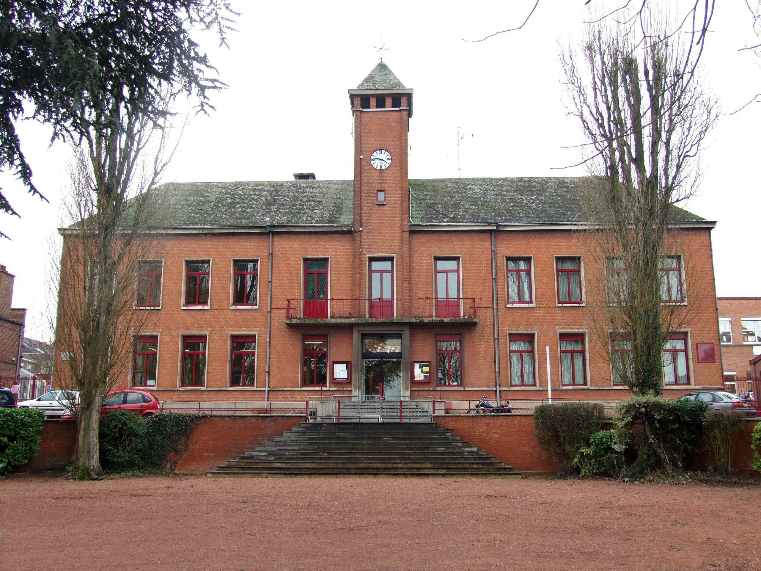 Trith-Saint-Léger — Wikipédia concernant Piscine Trith Saint Leger
