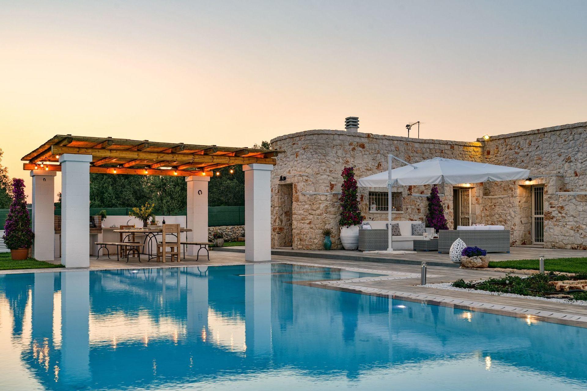 Trulli Nicoletta Location De Vacances - Couchages 6 Dans 3 ... concernant Location Maison Piscine Privée Dernière Minute