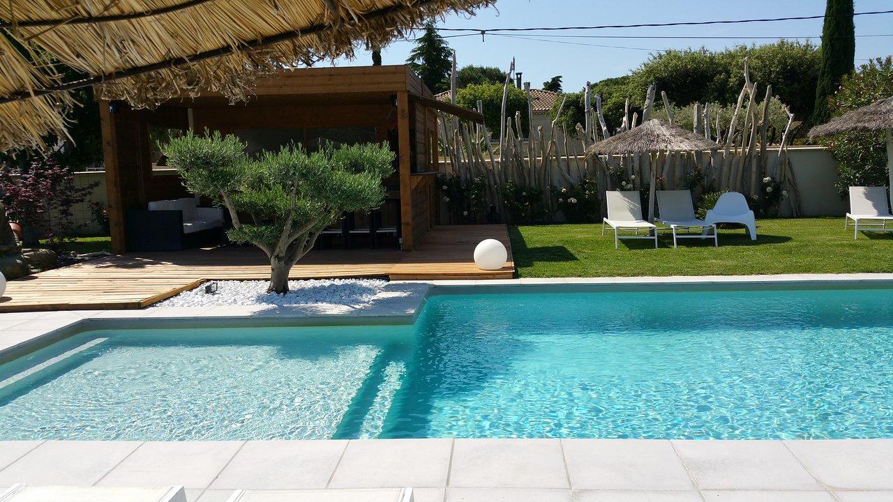 Un Gite En Provence - Prices & Cottage Reviews (Bedarrides ... destiné Piscine Montfavet
