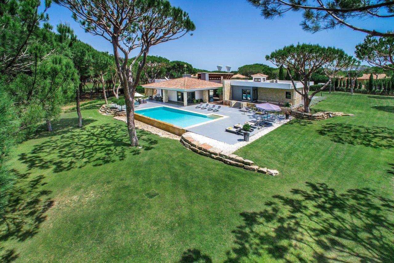 Une Superbe Villa De Luxe De 9 Chambres À Louer En Algarve ... pour Location Maison Portugal Piscine