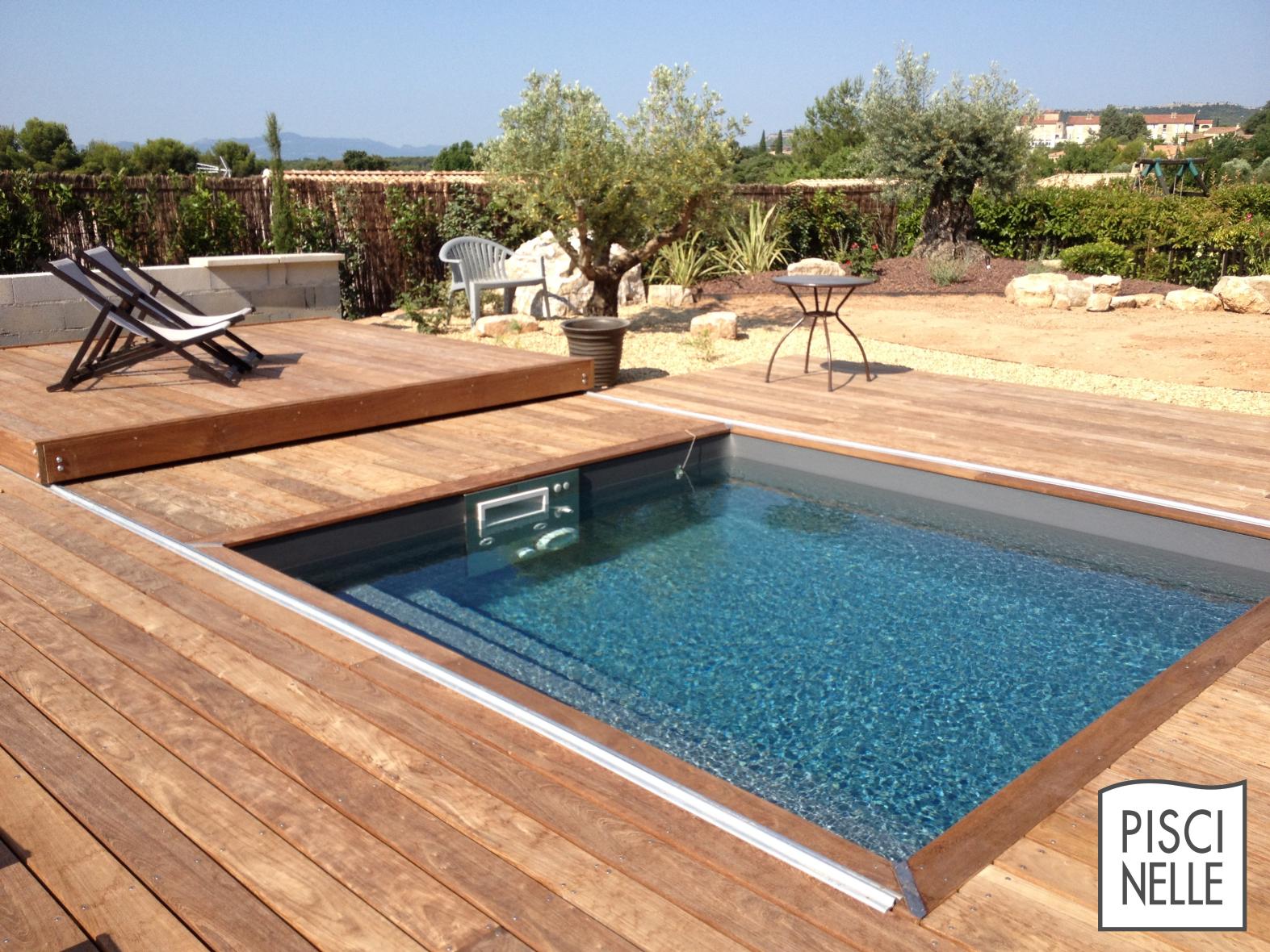 Une Terrasse Mobile De Piscine Rolling-Deck En Provence ... concernant Fabriquer Une Terrasse Mobile Pour Piscine