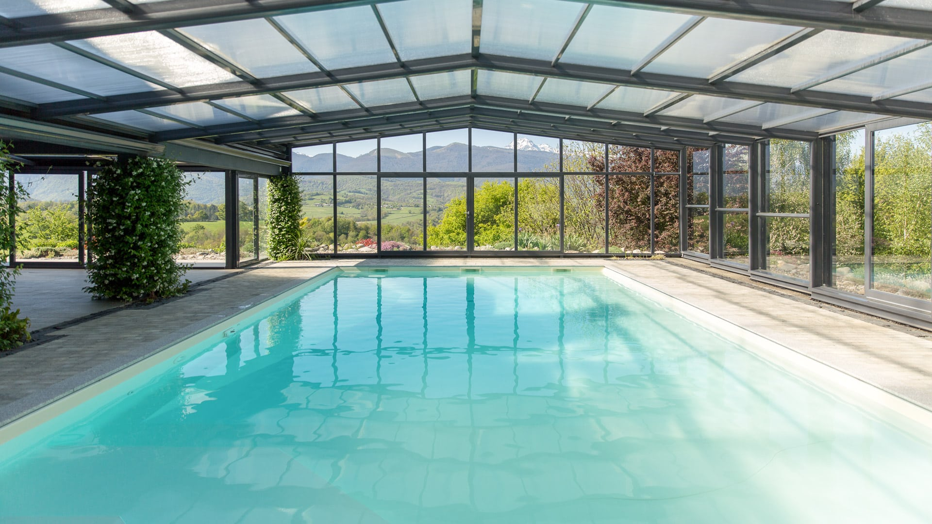 Union Wall-Mounted Pool Enclosure - Wall-Mounted Enclosure ... encequiconcerne Piscine Epdm