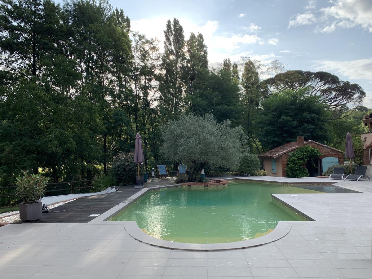 Vacation Home La Bourdette, Saverdun, France - Booking intérieur Piscine Saverdun